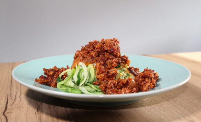 Spaghetti di Zucchine al Ragù di Tofu